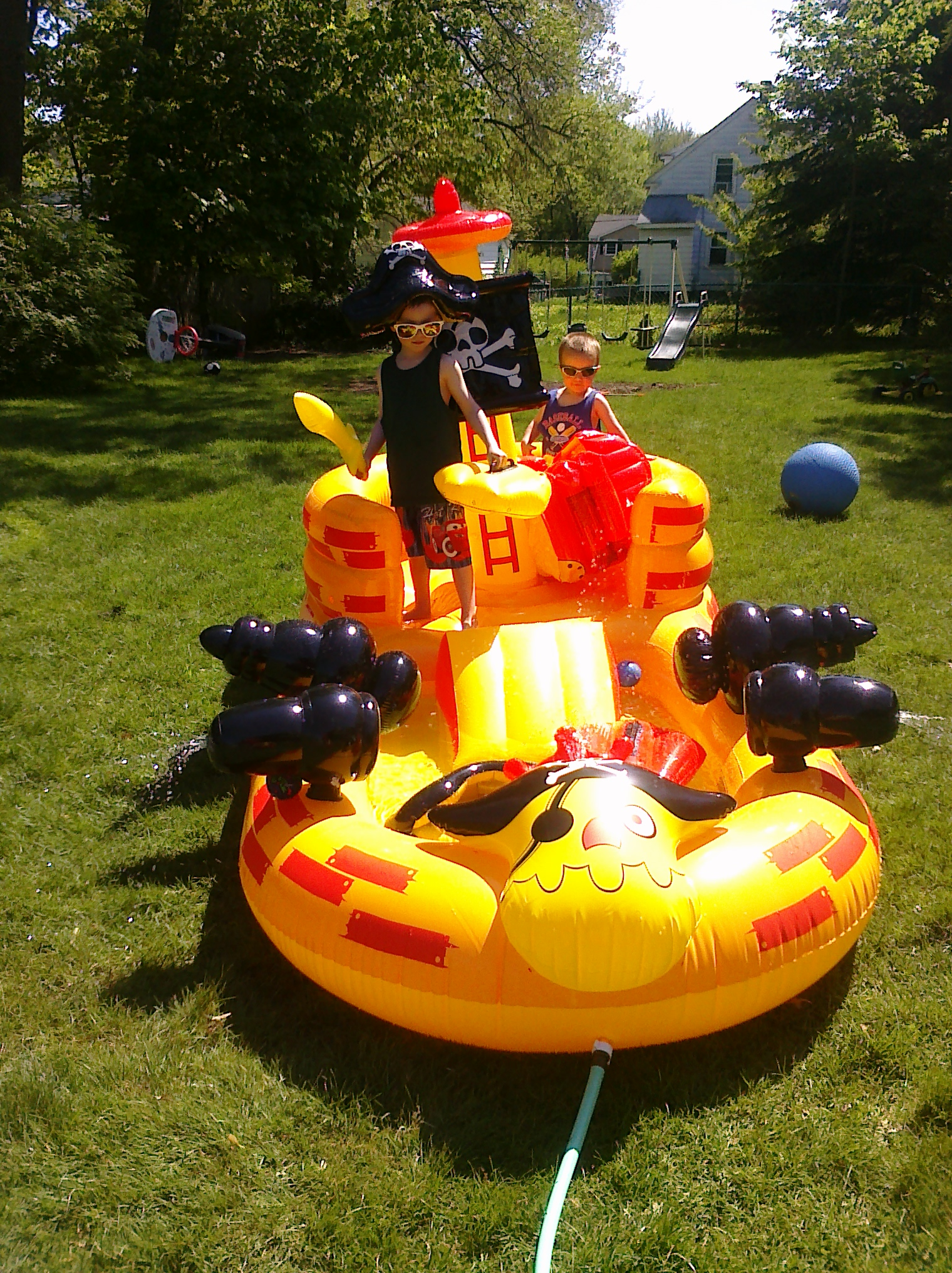 Pirate ship pool the zimmer zoo - Inflatable pirate ship swimming pool ...